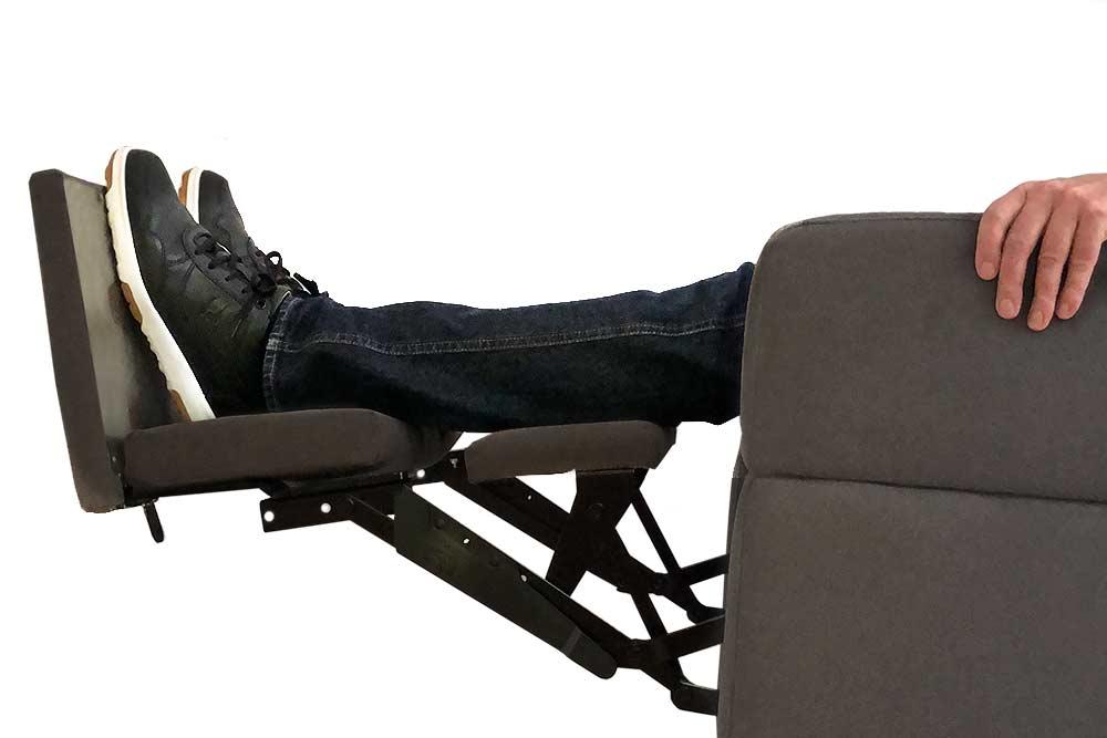 Pflegesessel Fussteil auch in der Ruhe- und Liegeposition aufklappbar