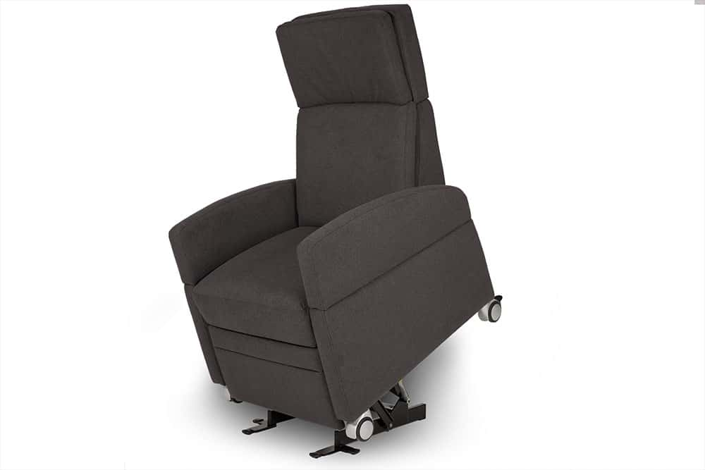 Pflegesessel / Aufstehsessel mit motorischer Verstellbarkeit und Aufstehhilfe